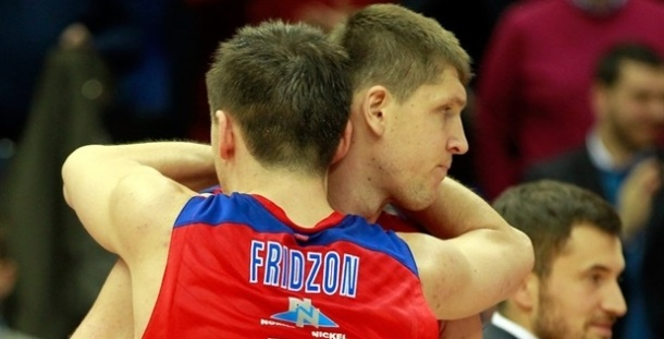 victor-khryapa-and-vitaly-fridzon-celebrates-cska-moscow-eb13