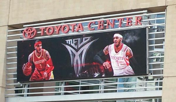 El Toyota Center de Houston recibiendo a Melo